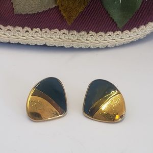 Gorgeous Vintage Gold tone Earrings